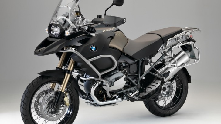 BMW Decides the Three 90th Anniversary Bikes