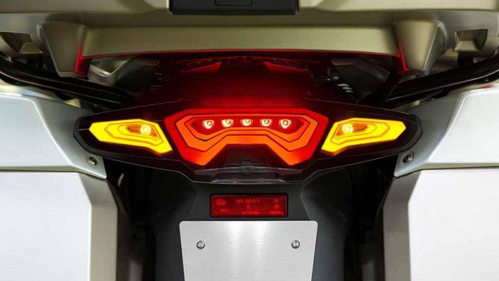 Bmw Develops Oled Motorcycle Lights Autoevolution