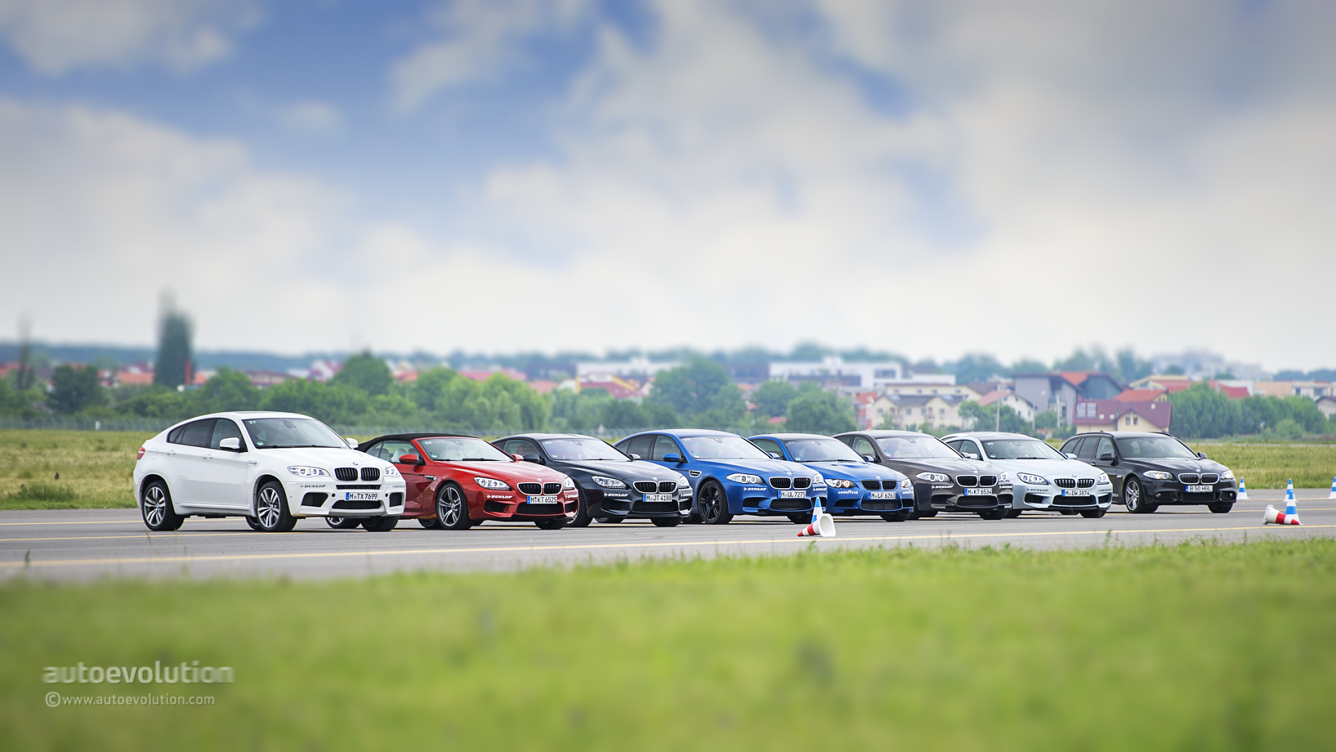 Bmw Driving School >> BMW Driving Experience: How To Manhandle a BMW M ...