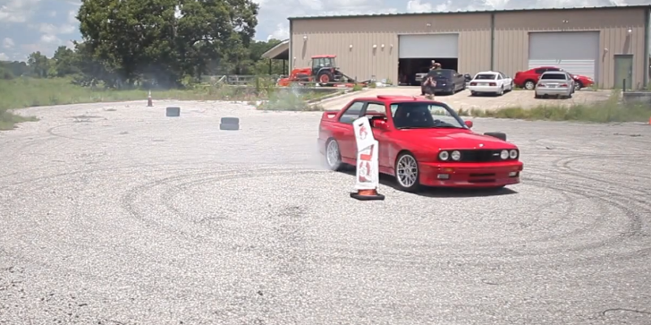 BMW E30 M3 Drifting the Right Way [Video]
