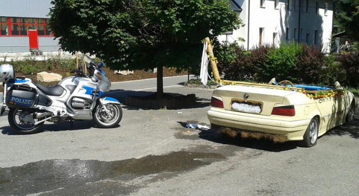 BMW E36 Turned Into Swimming Pool, Driven Around Town