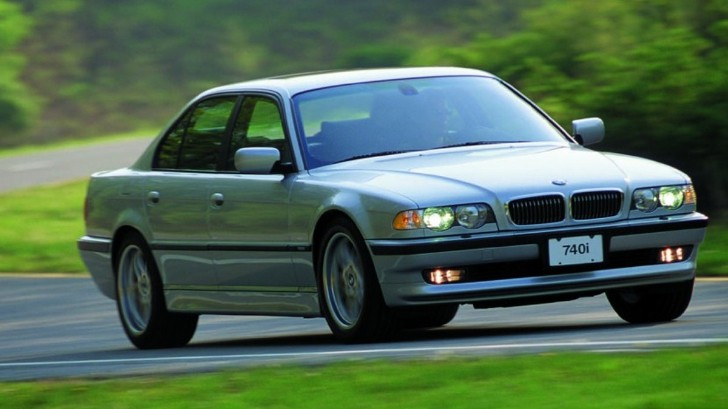 BMW E38 7 Series Has the Soul of an E9 New Six [Video]