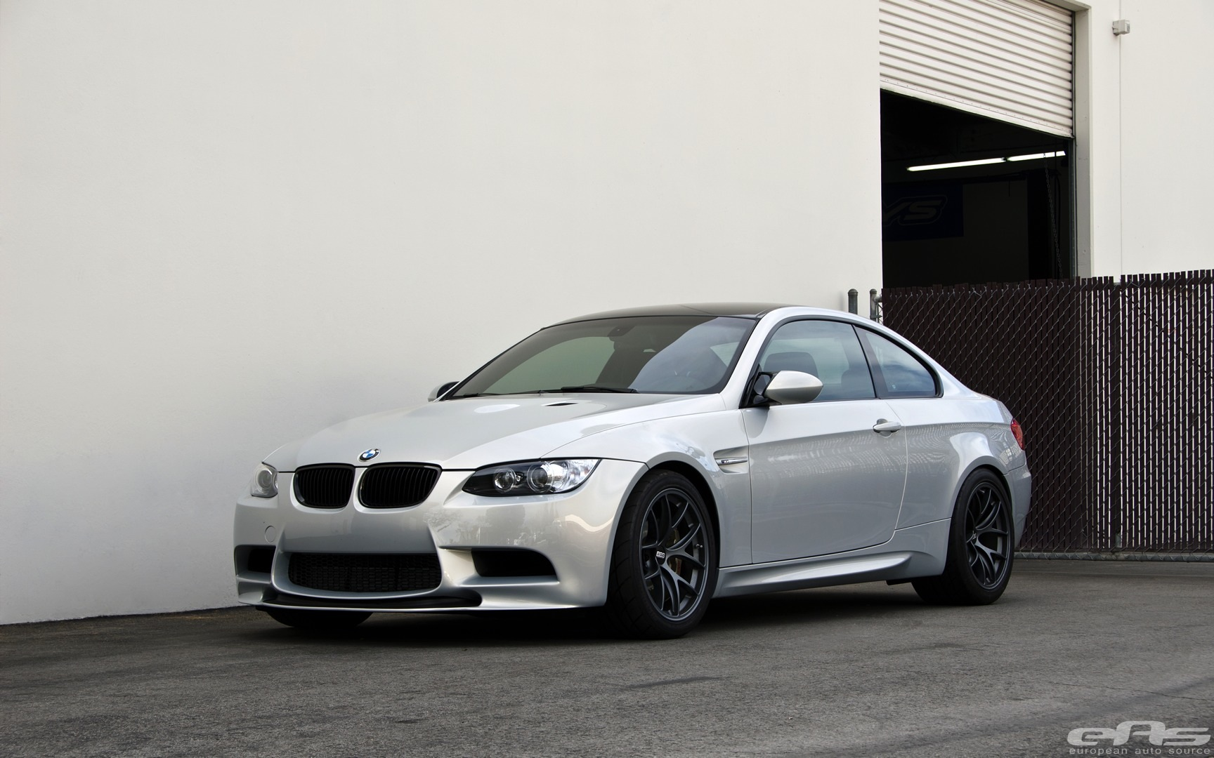 bmw e92 m3 gets a complete make over at eas autoevolution. Black Bedroom Furniture Sets. Home Design Ideas