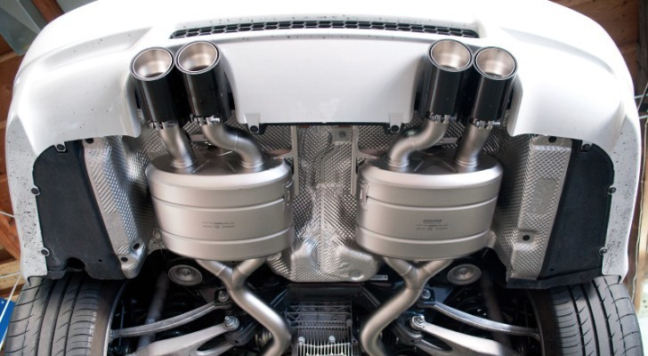 BMW E92 M3 Gets Akrapovic Exhaust at EAS - autoevolution
