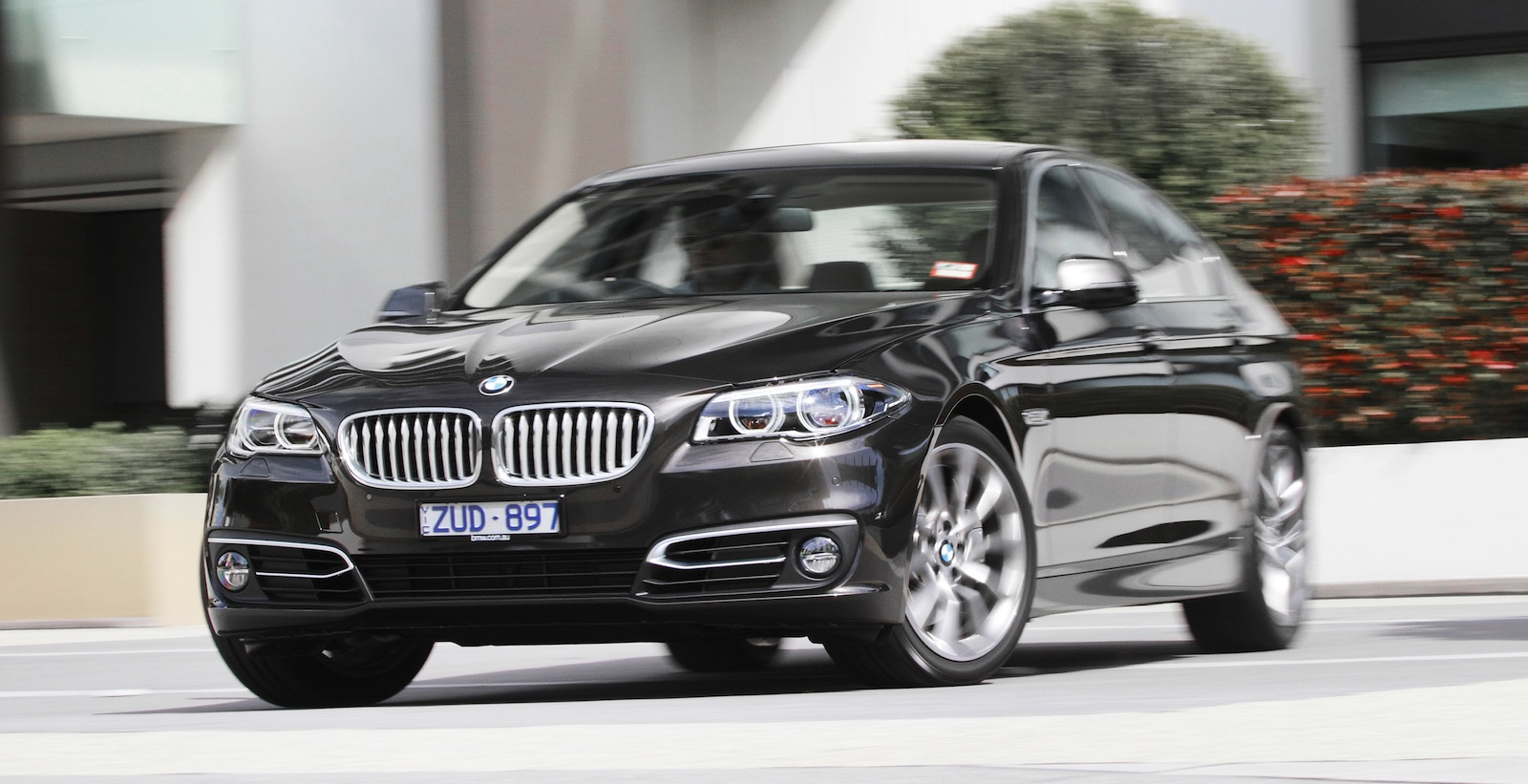 bmw f10 5 series lci priced from aud79 900 in australia autoevolution. Black Bedroom Furniture Sets. Home Design Ideas