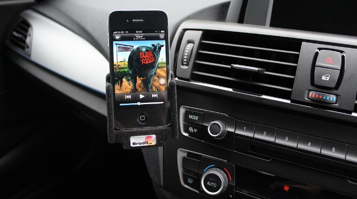 BMW F20 1 Series Dasboard iPhone Holder DIY