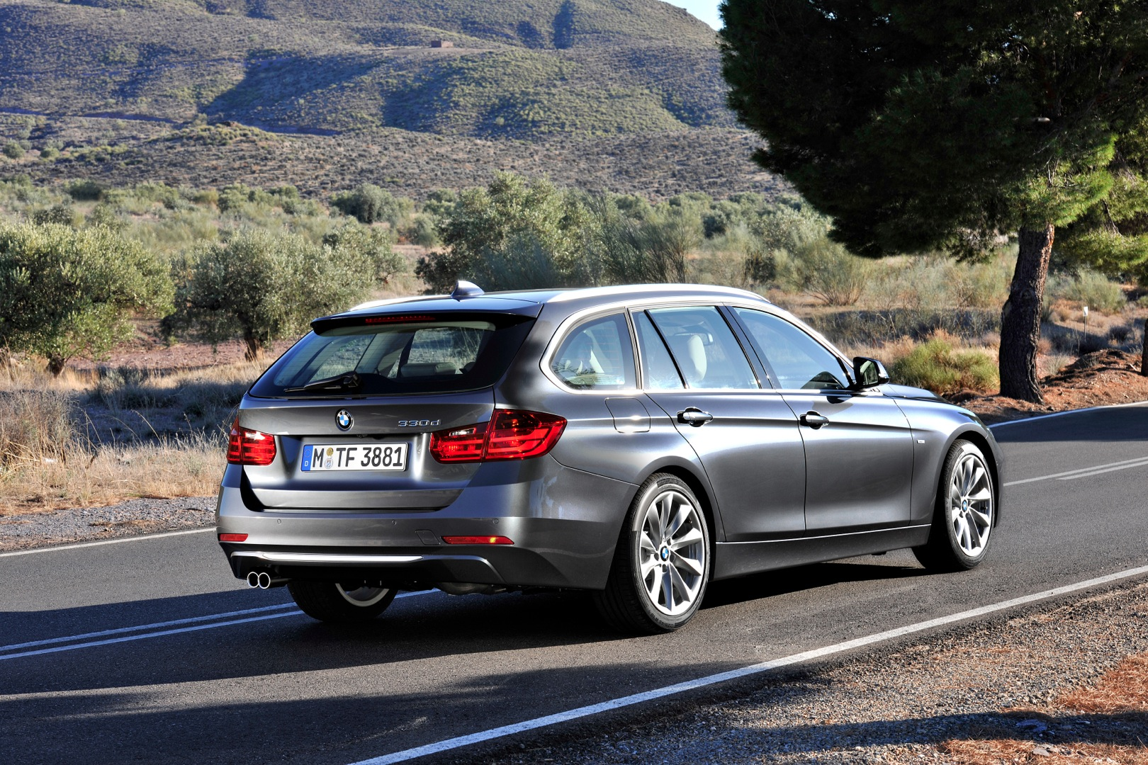 Bmw F30 320i Xdrive Touring Review By Top Gear Autoevolution