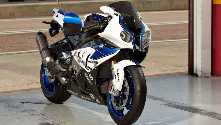 BMW HP4 Becomes Available on December 1st - autoevolution