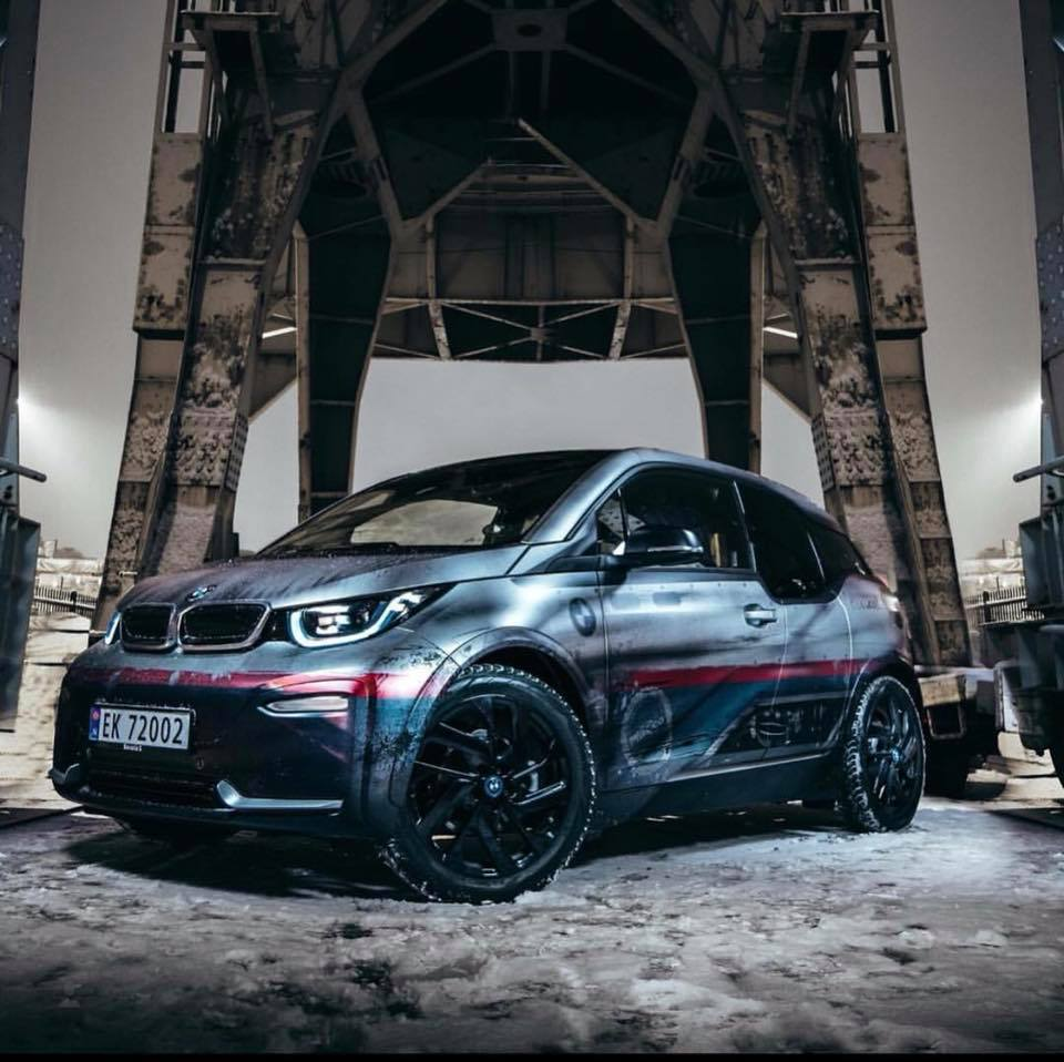 bmw i3 gets weathered wrap for electric apocalypse look. Black Bedroom Furniture Sets. Home Design Ideas