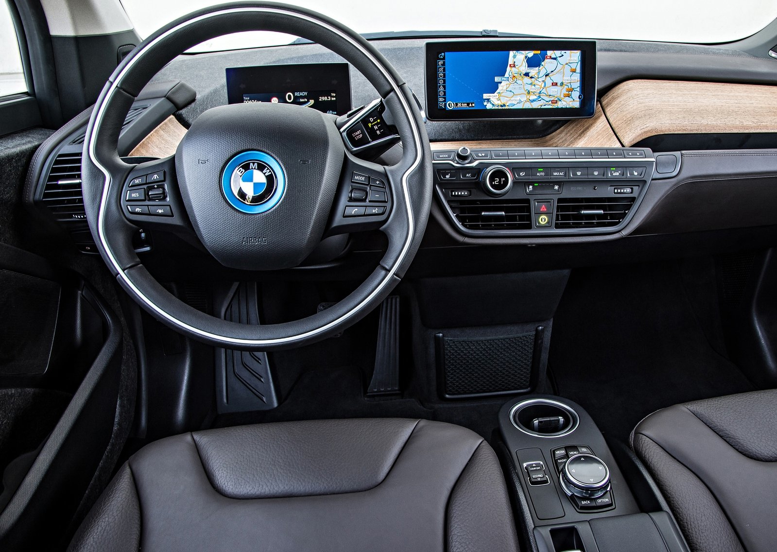 Bmw i3 trim levels explained autoevolution for Interieur i3