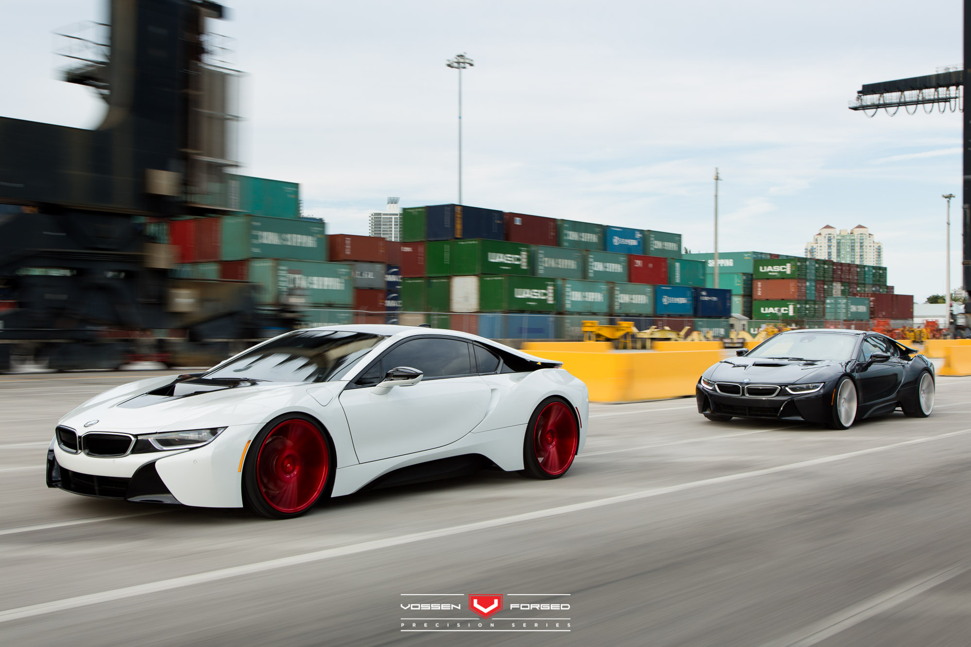 Bmw I8 Duo Drift On Vossen Forged Wheels In Miami Autoevolution