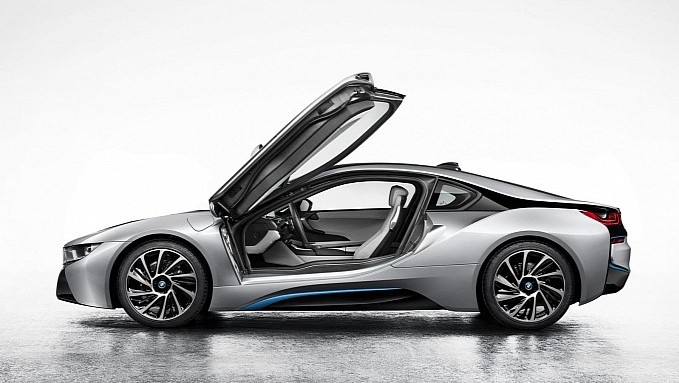 BMW i8 Official Photos Leak Ahead of Frankfurt Debut