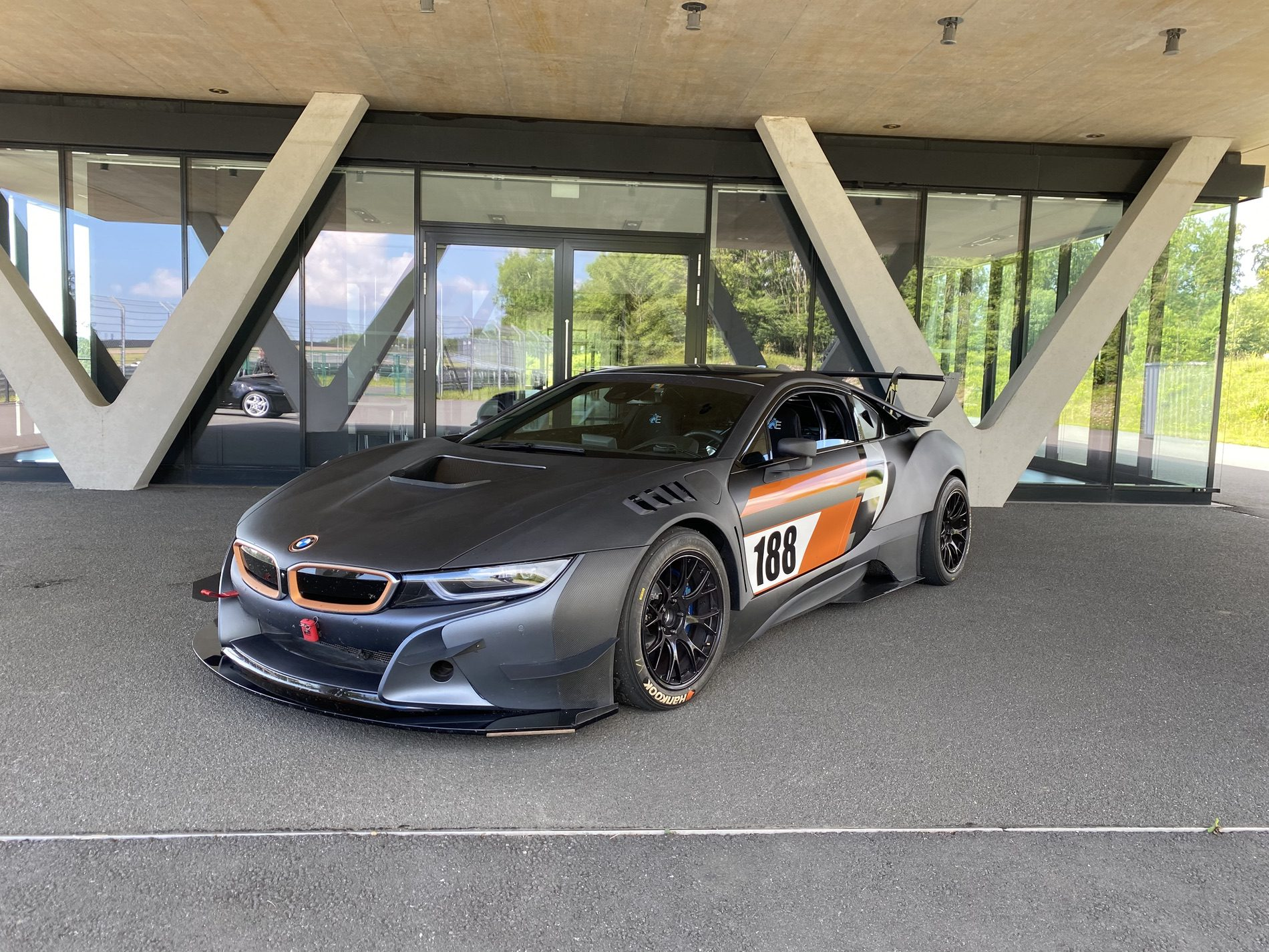 2013 - [BMW] i8 [i12] - Page 23 Bmw-i8-procar-by-edo-motorsport-looks-like-a-gt3-racing-car-145468_1