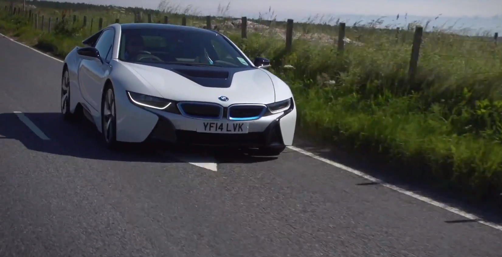 Bmw I8 Reviewed On Uk Roads Autoevolution
