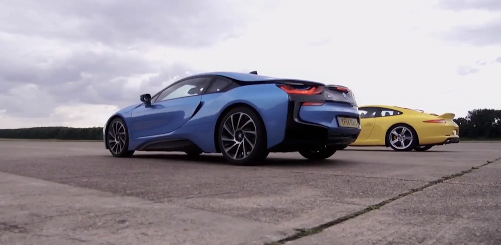 Bmw I8 Vs Porsche Carrera S Drag Race Autoevolution