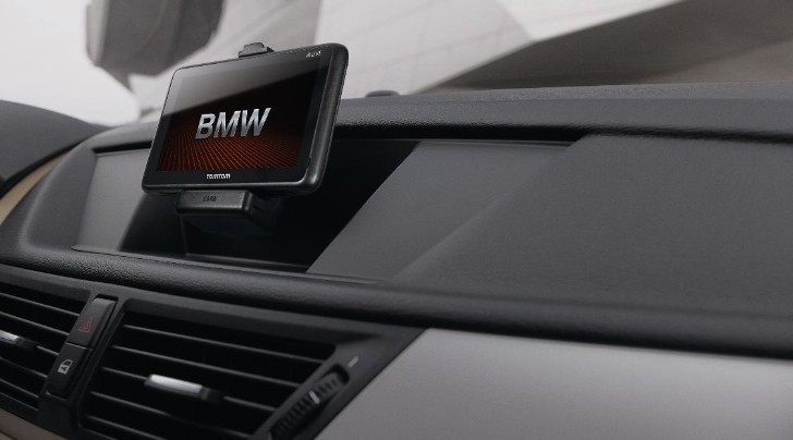 BMW Integrates TomTom Navigation