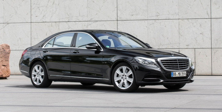 Bmw loses luxury sales crown to mercedes in september in for Crown mercedes benz