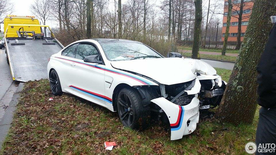 Bmw M4 Crashes Into A Tree On The Way To The Gas Station