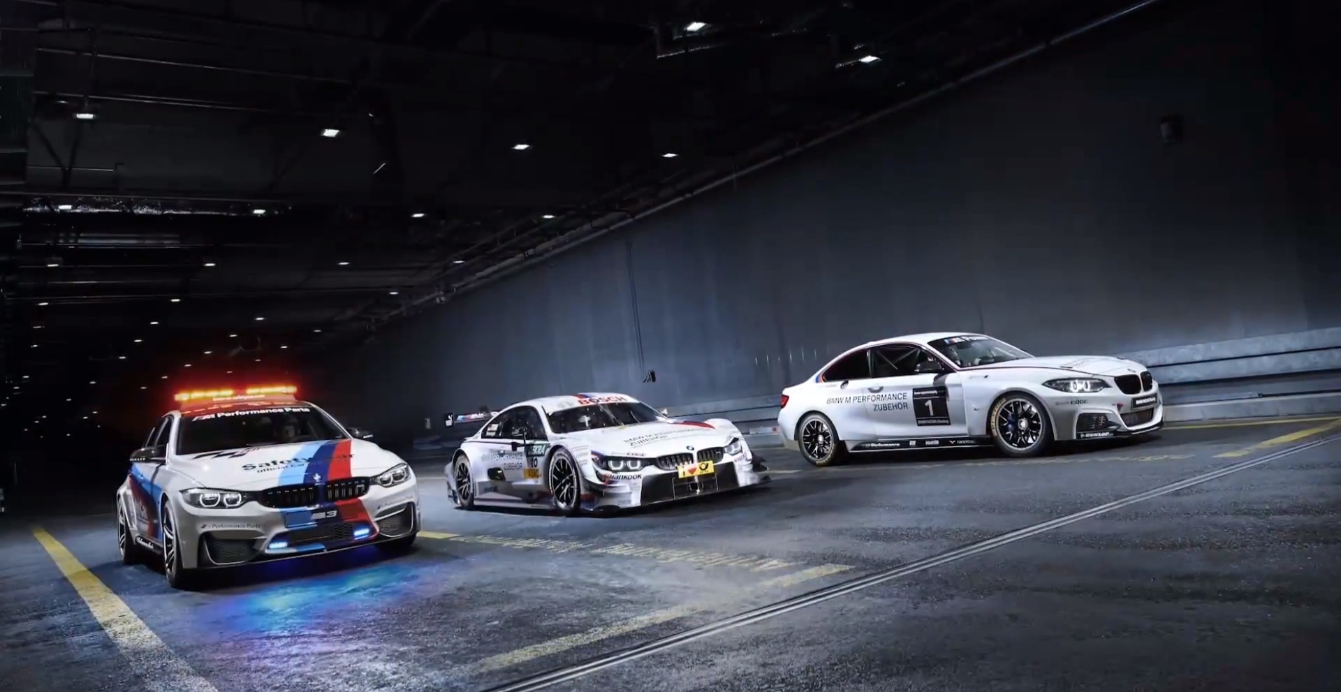 BMW M4 Safety Car, DTM Car and M235i Racing Come Together for 14 Epic Seconds - autoevolution