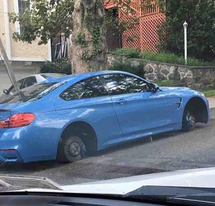 Bmw M4 Has Wheels Stolen Overnight May Appear Slammed