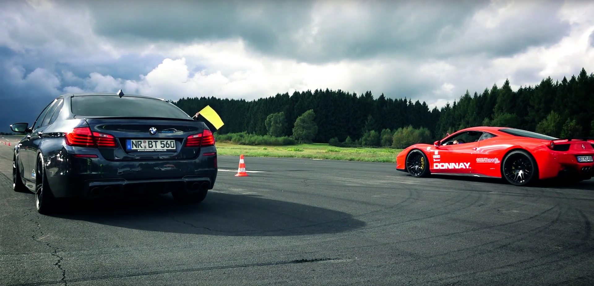 BMW M5 Drag Races Ferrari 458 Italia, Something's Not Right with It