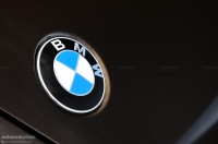 BMW X1 front badge photo