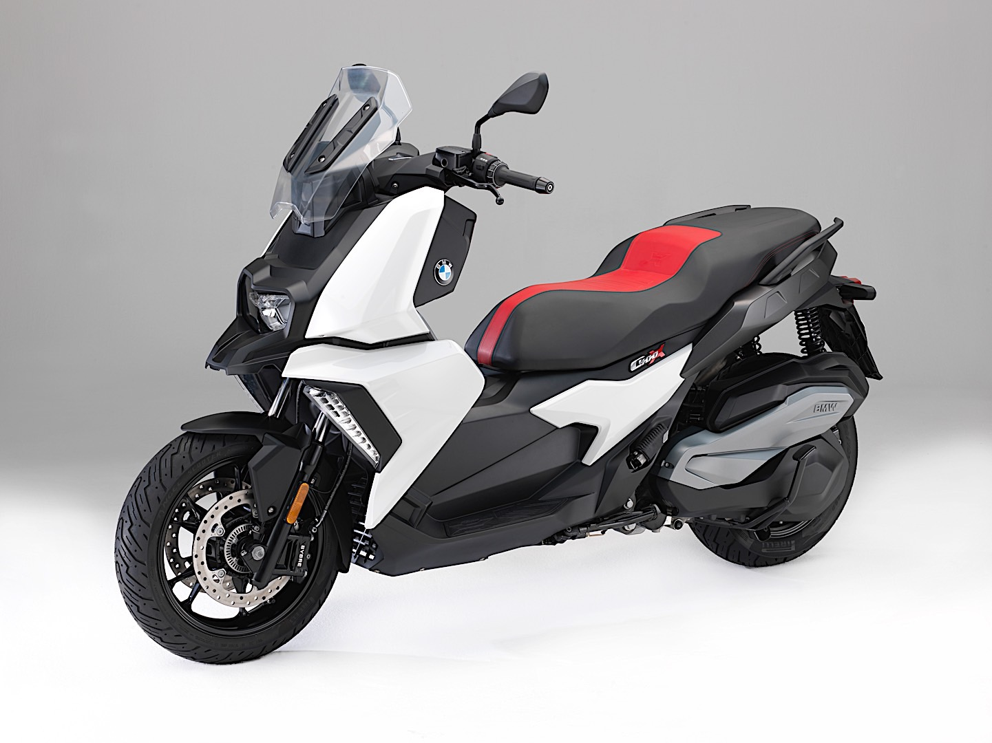 BMW Motorrad Launches Its First Sub-600CC Scooter At EICMA