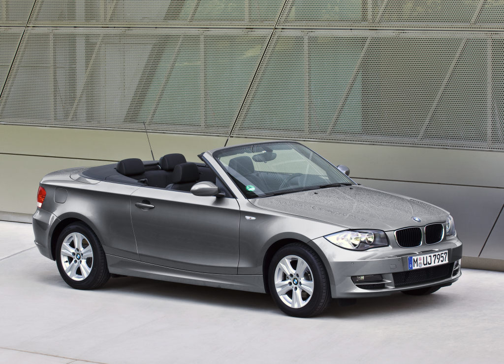 bmw recalls 2008 1 series and 3 series in us autoevolution. Black Bedroom Furniture Sets. Home Design Ideas