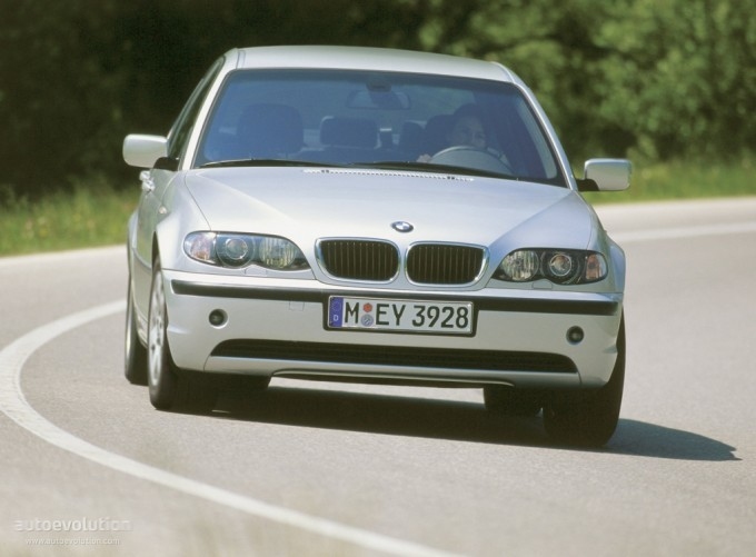 BMW Recalls 42,000 E46 3 Series Over Airbags Issues