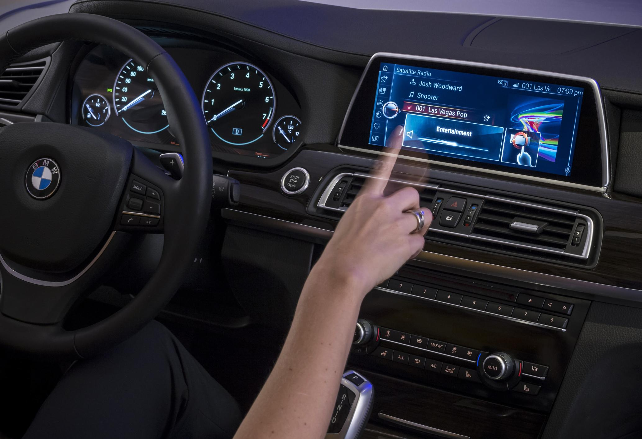 bmw won 39 t integrate android auto will focus on apps for. Black Bedroom Furniture Sets. Home Design Ideas