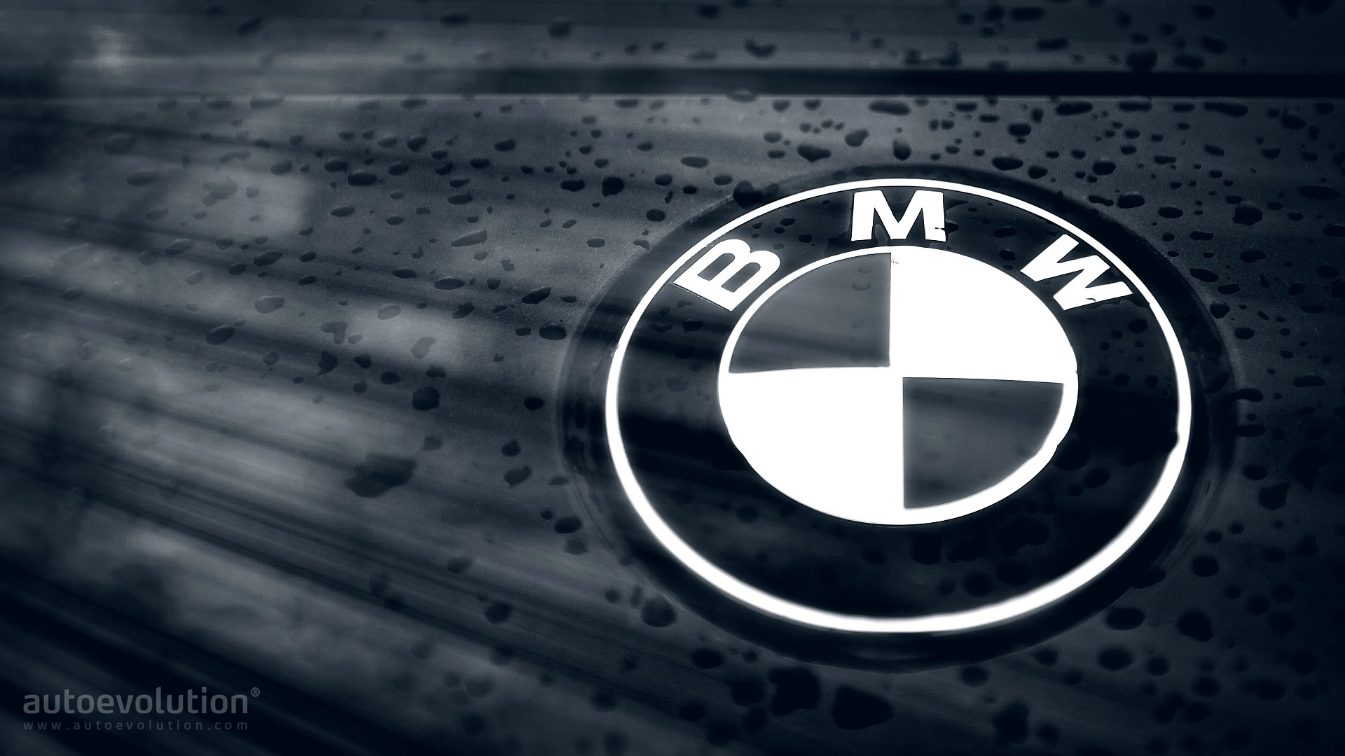 Marketing strategy of bmw for Mercedes benz marketing mix