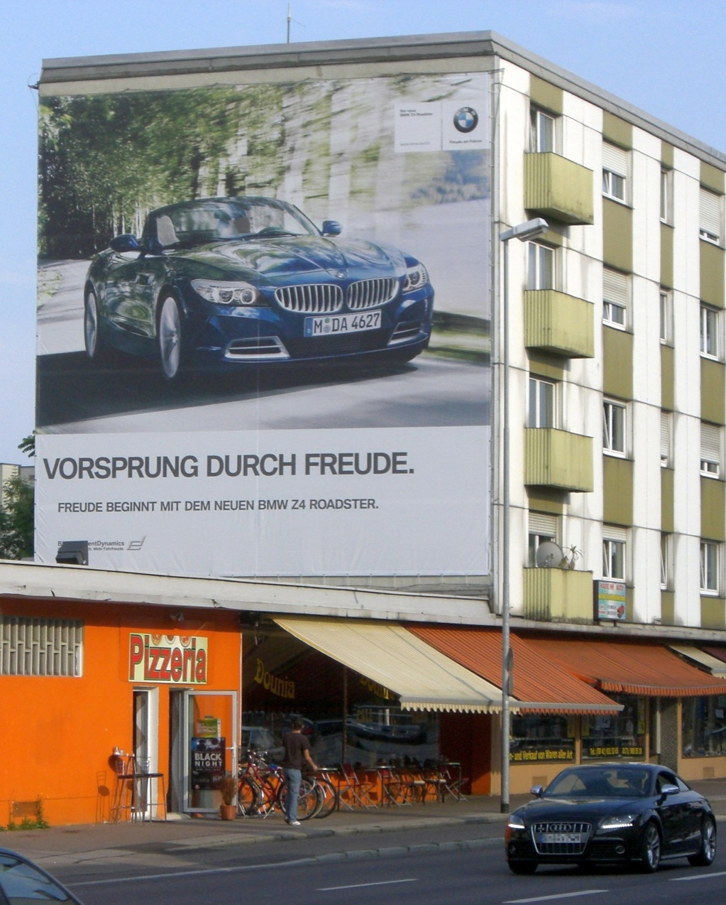 Bmw Slaps Audi Again With New Billboard Autoevolution