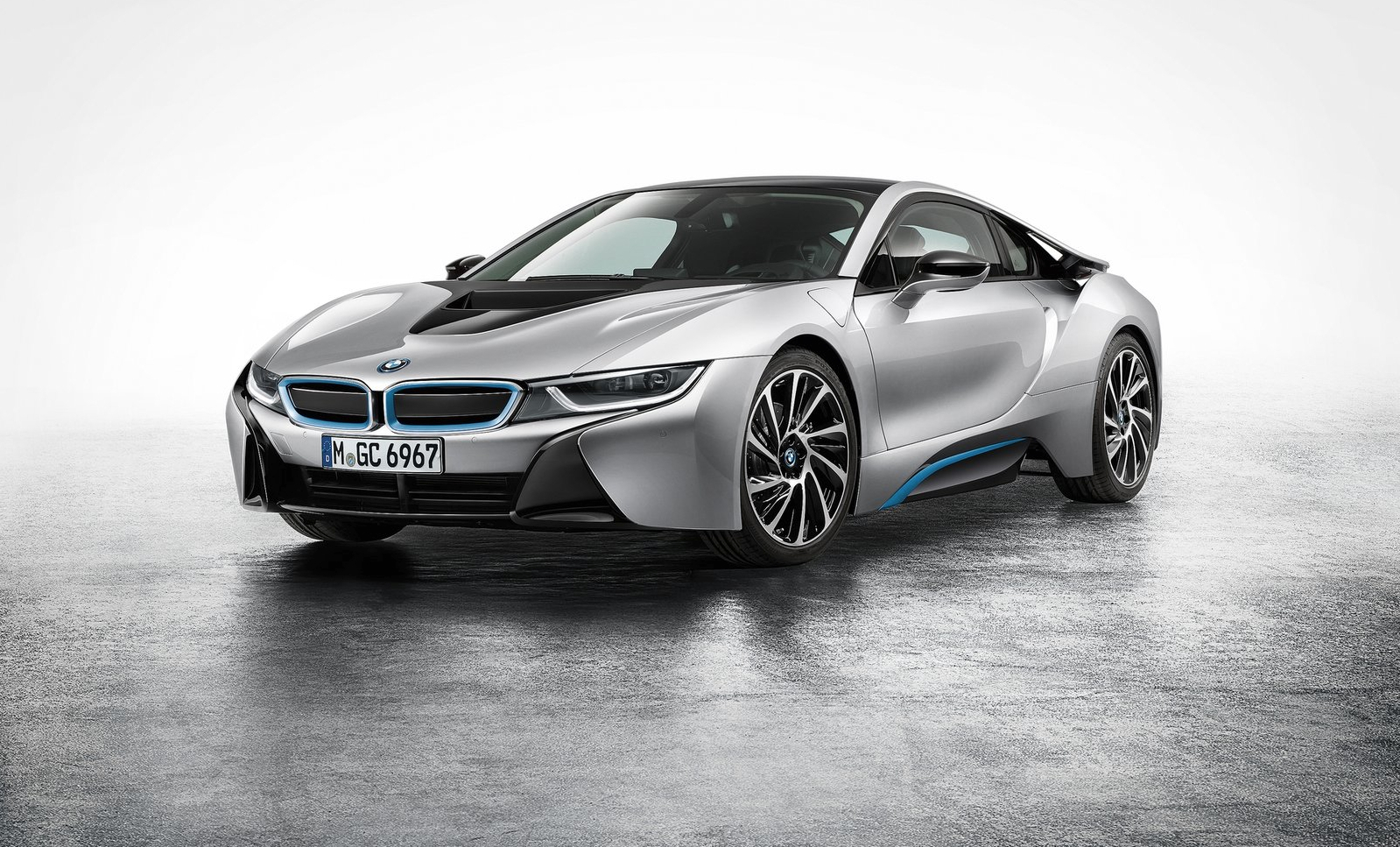 Bmw Uses Porsche 911 4s And Audi R8 To Sell The I8 Autoevolution