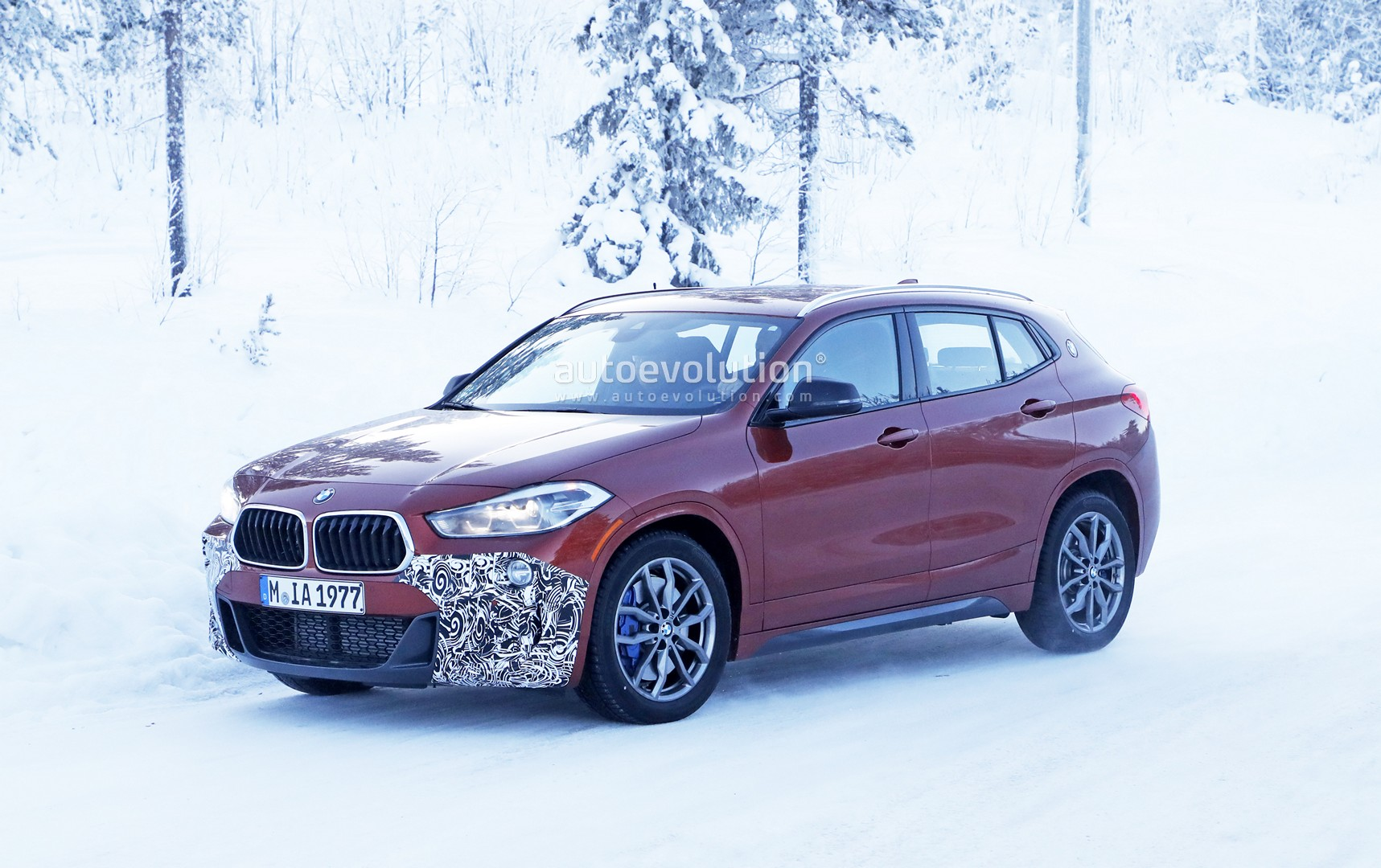 bmw x2 m35i spied winter testing the 300 hp suv that looks like a hatch autoevolution. Black Bedroom Furniture Sets. Home Design Ideas