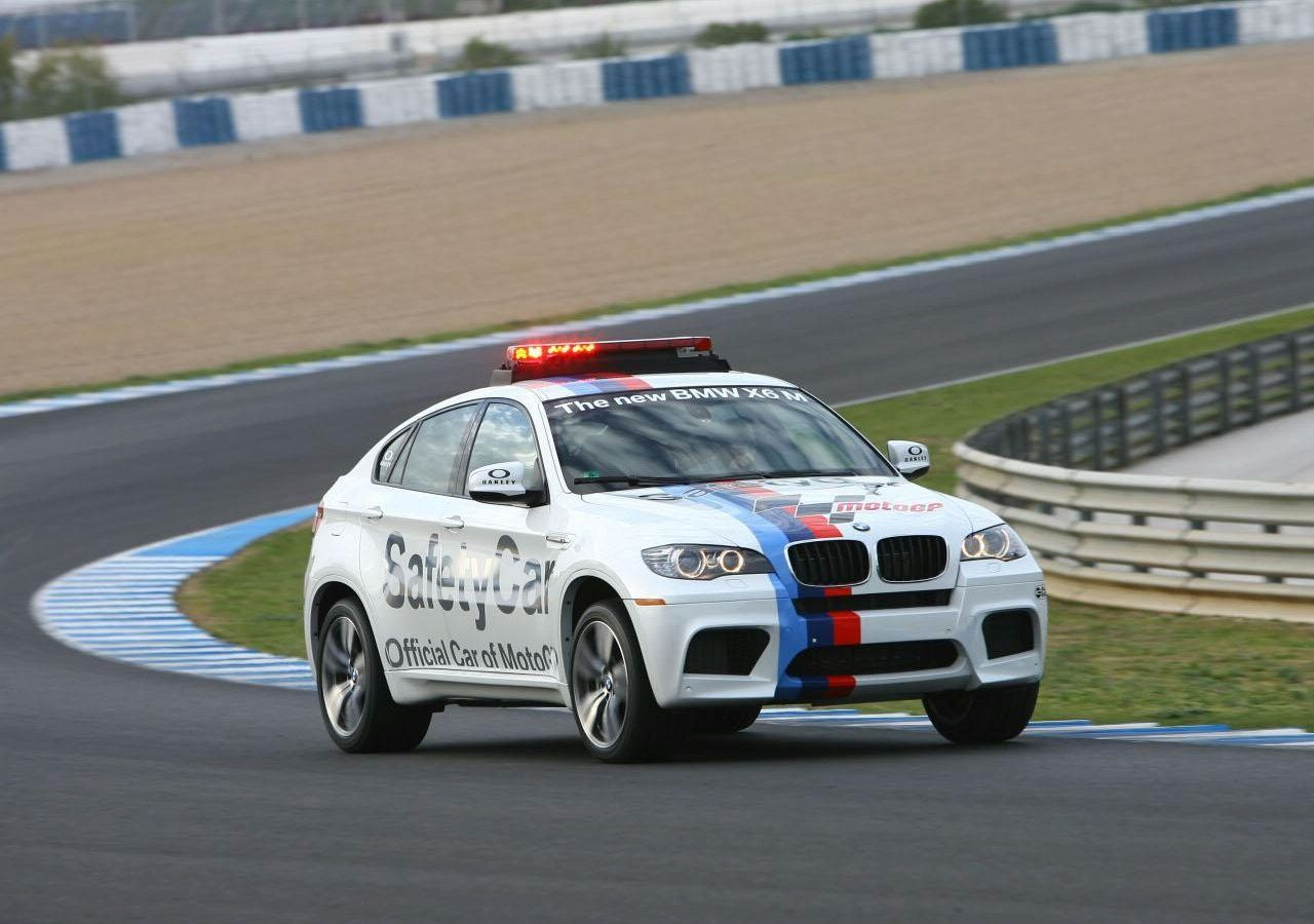 bmw x6 m becomes official motogp safety car autoevolution. Black Bedroom Furniture Sets. Home Design Ideas