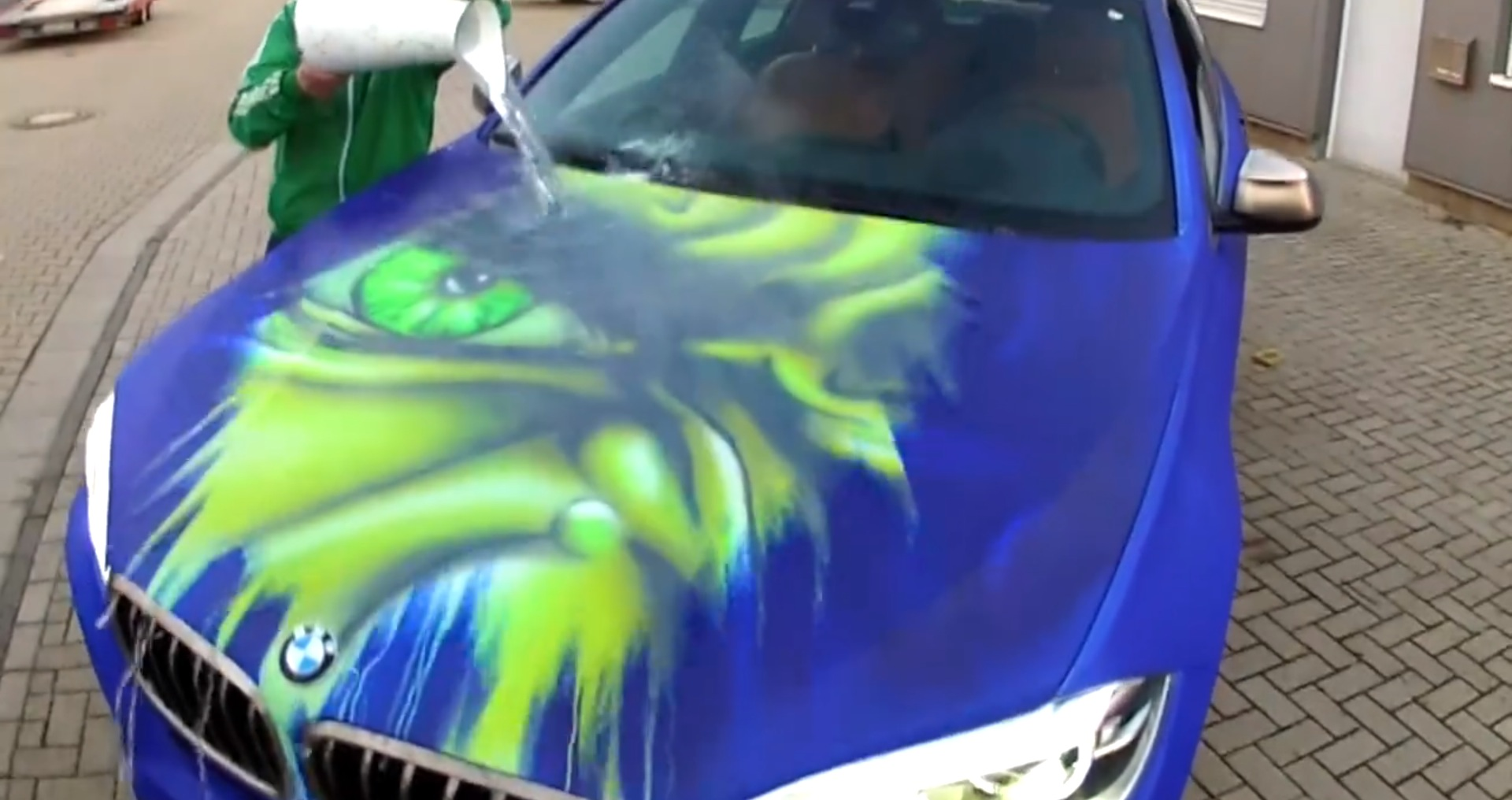 Bmw X6 Paintjob Reveals Inner Hulk When You Pour Hot Water On It