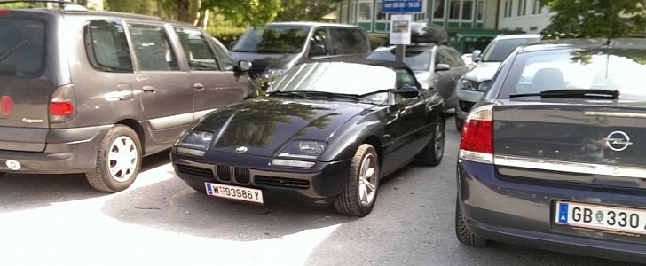 bmw z1 spotted in austria still looking funky autoevolution. Black Bedroom Furniture Sets. Home Design Ideas