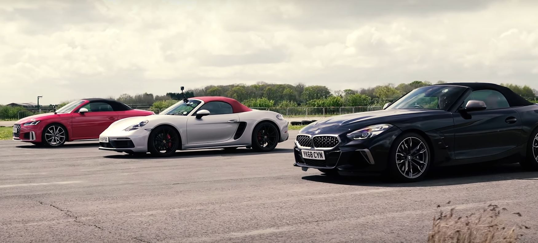 BMW Z4 M40i Drag Race Against Audi TTS, Boxster GTS Ends In