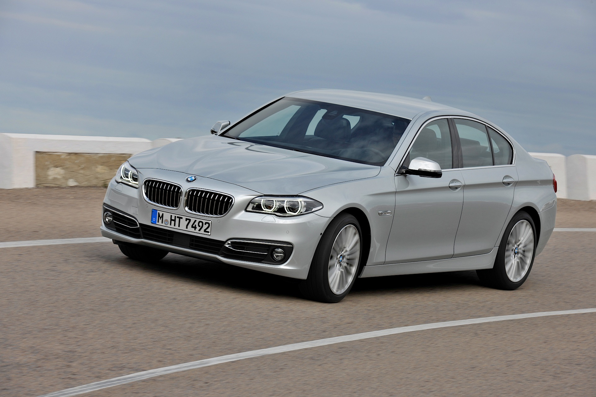 Bmw S 4 4 Liter V8 Deemed As Oil Thirsty By New Consumer