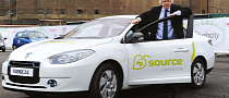 Boris Johnson Tests Renault Fluence Z.E. at EcoVelocity