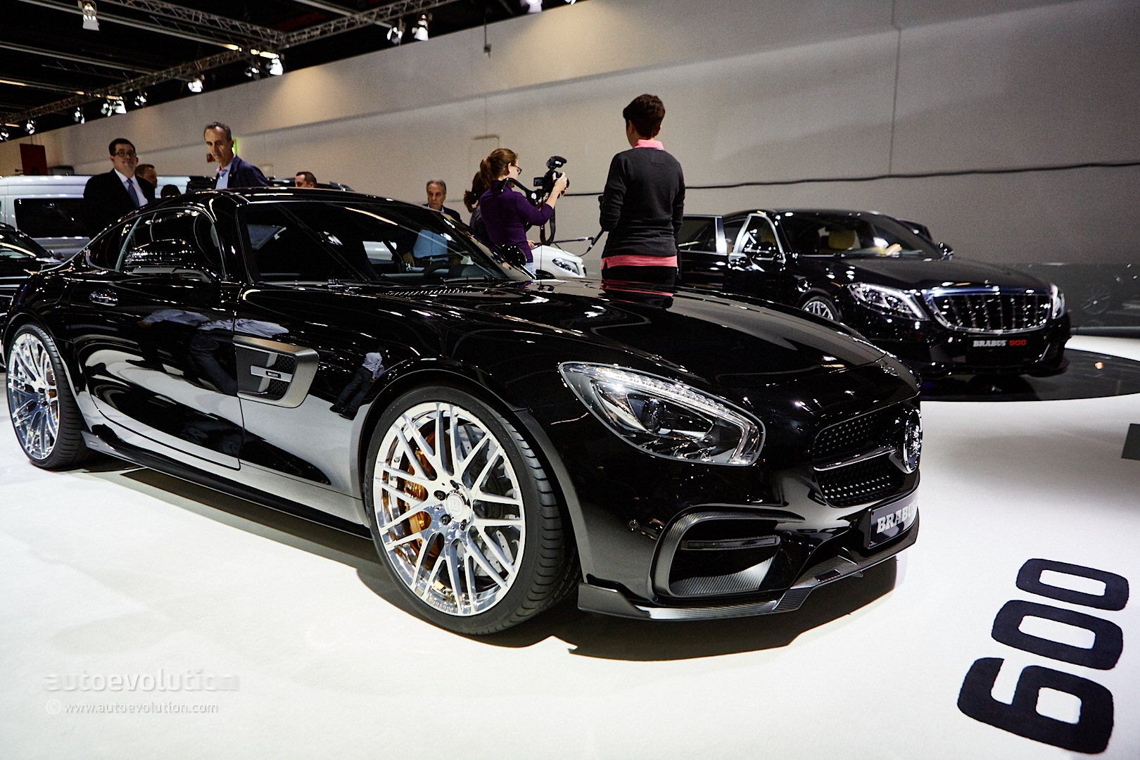 brabus 600 mercedes amg gt s is faster than the bentayga in frankfurt 2015 autoevolution. Black Bedroom Furniture Sets. Home Design Ideas