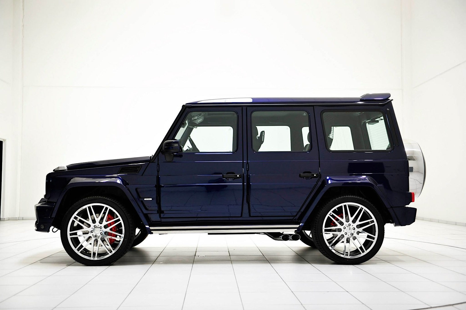 brabus g 63 amg is having the mystic blue autoevolution. Black Bedroom Furniture Sets. Home Design Ideas