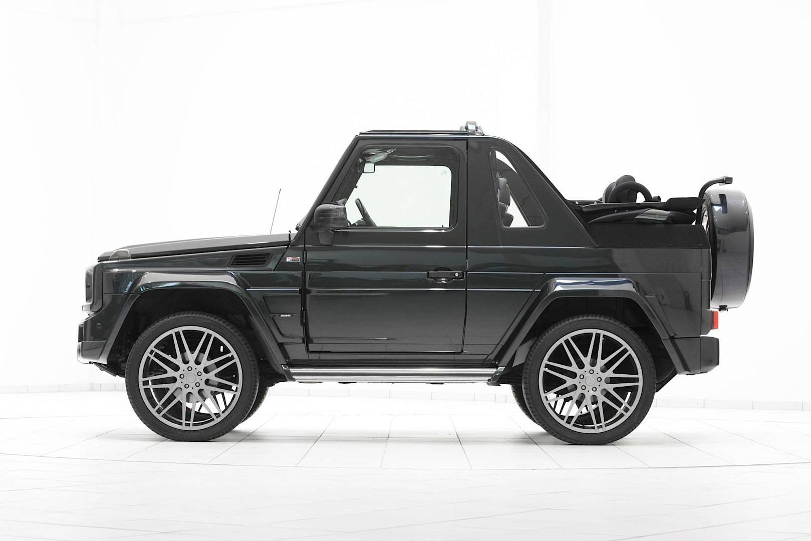 brabus g class cabrio looks too evil for st tropez. Black Bedroom Furniture Sets. Home Design Ideas
