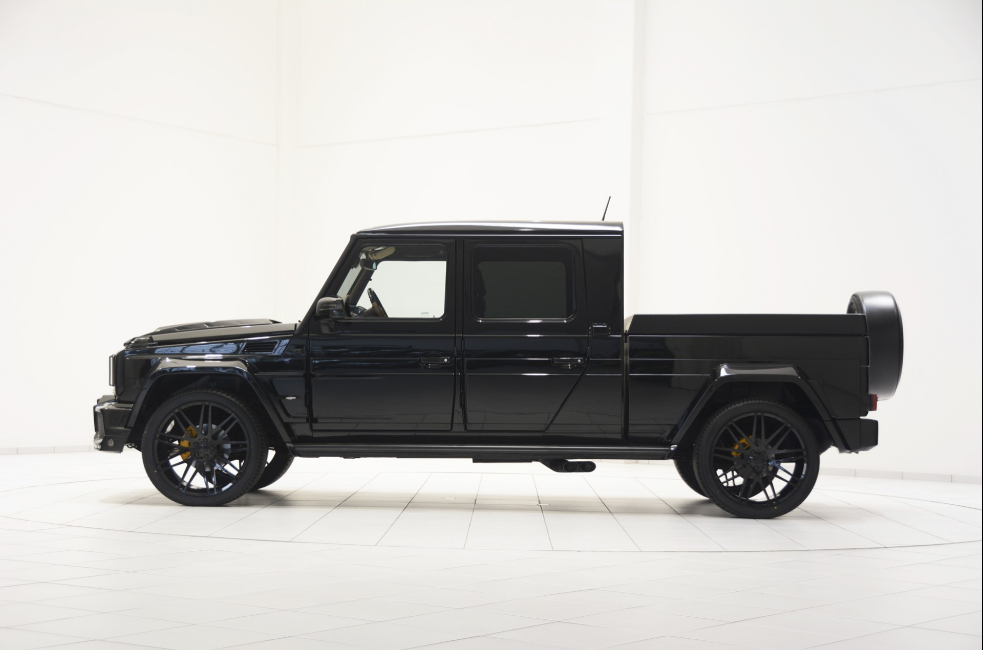 Brabus G500 XXL Pickup Truck Is Very Wide and Cool