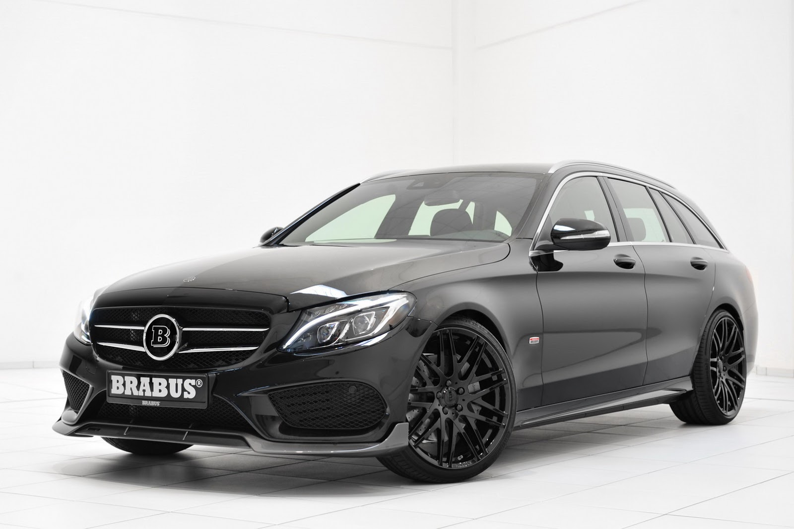 Brabus Makes It Feel Like Christmas For The Mercedes C Class Wagon Autoevolution