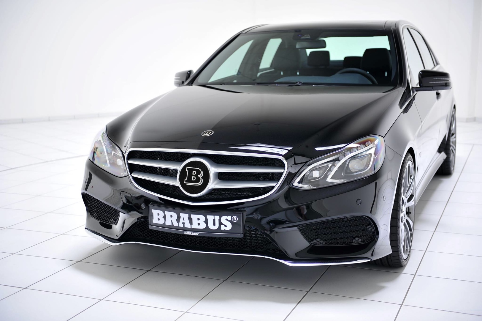 Brabus unveils mercedes benz e400 cgi tuning package for Mercedes benz packages