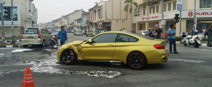 Brand New Bmw M4 Gets Hit By Toyota Running A Red Light In