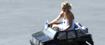Britney's Escalade Involved in Accident