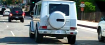 Britney Spears Drives Around in White Mercedes G55 AMG [Video]