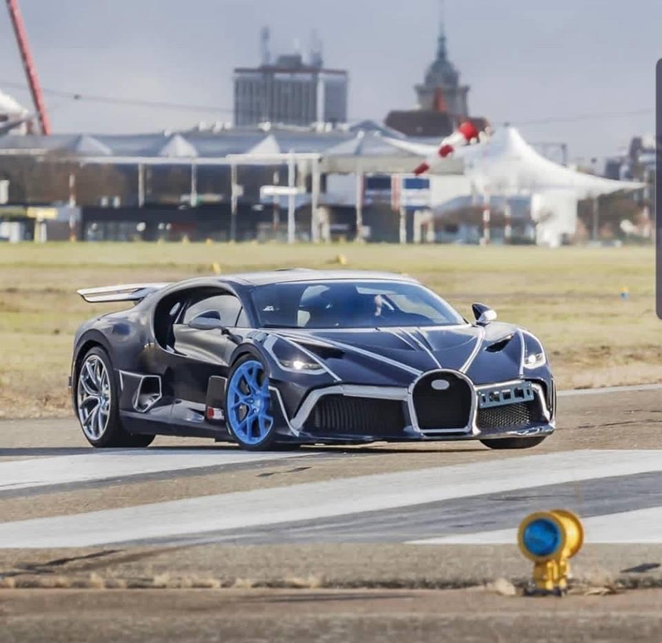 Bugatti Divo Black And White Supercars Gallery